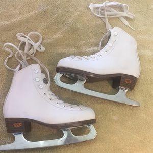 Riedell brand girls Ice Skates sz J13 Winter FUN